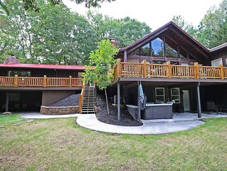 High Point Lodge with Indoor Saltwater Pool in the Hocking Hills