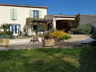 deux chambres chez l'habitant  pension complete  villa (campagne,piscine jardin)