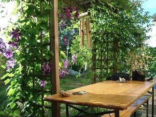 Maison  avec jardin clos dans un environnement zen