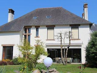 Spacieuse maison  et jardin clos, au cœur du centre ville de Lannion