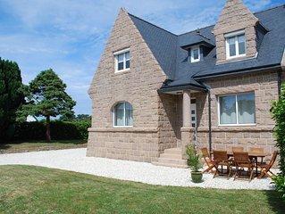 Maison spacieuse entièrement rénovée sur la côte de granit rose (Côtes d'Armor)
