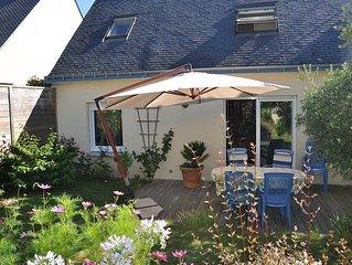 Maison Auray, jardin privatif proche centre ville.