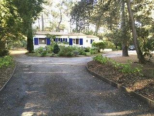 Villa située dans le bois de la Chaise à 800m des plages recherchées
