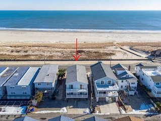 Wow!!! Perfect OCEAN FRONT with Views. All new Kitchen and amenities!!!!