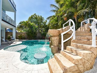 Waterslide! Private pool + spa, rooftop deck, 7 bedrooms. Dream beach house!