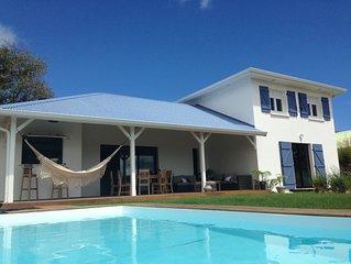 Villa Horizons, Le Francois, 6 /10 pers.,4 ch, grande piscine, vue mer,ventilee.