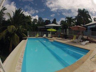 Bungalows, vue imprenable mer des caraibes, piscine  commune jacuzzi prive