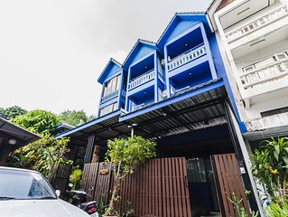 Stay in The Private Art Gallery in The Heart of Chiangmai , at Chez Pom * 9