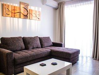 Luxury Apartment 200m form city centre