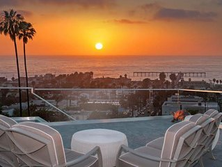 Ocean Views from all 5 Luxury Suites Amazing San Diego Home