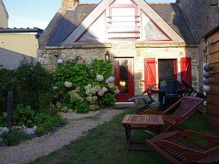 petite maison en plein bourg de Plouhinec tout confort