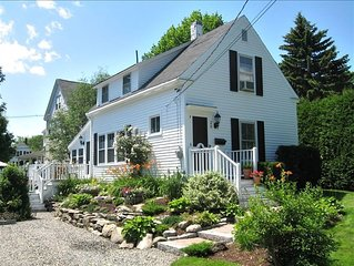 Charming Cottage a Stroll to Camden Harbor- Come for fall foliage!