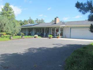 Tranquil 3-acre country home close to ocean & lakes - 14+ night stays or longer