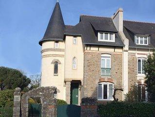 Maison bourgeoise de caractere, entre gare et centre-ville, a 10 mn des plages