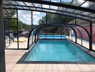 Nuitee avec sauna et piscine chauffee privative pour 2
