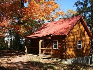 Sweet Heart Log Cabin Hocking Hills, Great Views, Hot Tub, Romantic