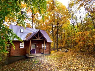 Lovers Loft Hocking Hills Log Cabin, Hot Tub, Romantic, Secluded, Fireplace