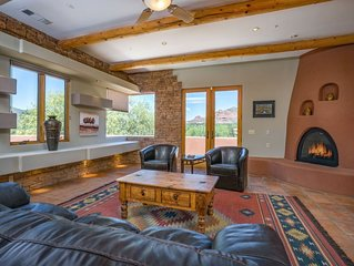 Majestic Sedona Stunner boasts Glorious Red Rock & Mt. Views - Exquisite Decor!