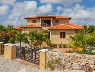 Luxurious Villa with Panoramic Ocean View, Private Pool and Car (optional)