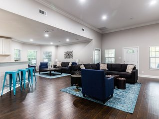 Private Home for Groups in Trendy Area