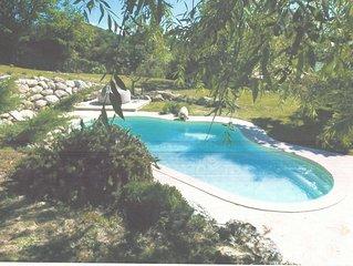 Manosque agréable Villa 130m2 avec piscine 8 couchages tout confort