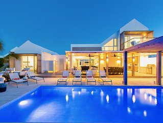 Picture Perfect 5 Bed Villa in Grace Bay.