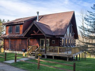 Beautiful Large Cabin Lodge located in wooded setting