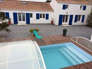 Maison 12 personnes avec piscine, proche de la plage