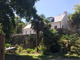 Maison Orgo > Villa 150 m2 dans jardin avec palmiers,  près du port de Palais