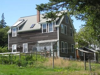 Cove-side Meadow House - Waterfront Views