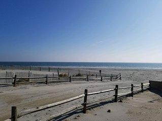 N. Wildwood Condo, 3 br 2 bath, 1 block from beach/ boardwalk, GREAT LOCATION!!