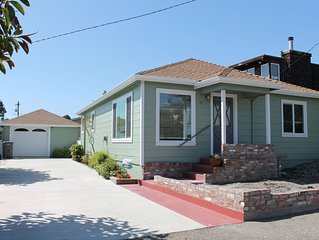 Adorable Beach Cottage only a block to the beach and a short walk to downtown