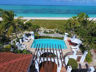 BEACHFRONT PROPERTY! Grace Bay Beach ,Sleeps 10