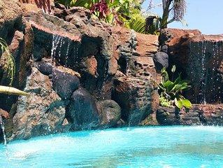 Bali, villa avec vue imprenable sur la mer (500m); services et personnel inclus