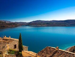 'La Calade du lac' charmante maison de village vue lac de Ste. Croix 2/4 pers.