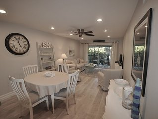 Newly Renovated Condo Within Walking Distance of Siesta Key Beach!