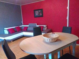 Bel appartement spacieux face à square verdoyant.