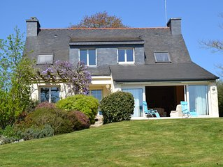 Belle Maison sur grand terrain arbore avec vue sur le Golfe du Morbihan
