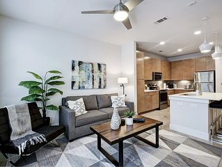 Southtown Modern Apartment close to Downtown, Riverwalk, Spurs Arena and Alamo