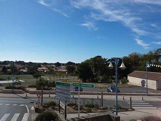 T2 -4p- exp. Sud à Brem-sur-Mer, coeur de bourg, proche plage, place de parking