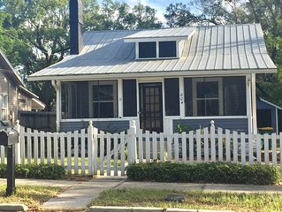 NEW! Liberty Cottage. Walk to Downtown Mt. Dora.