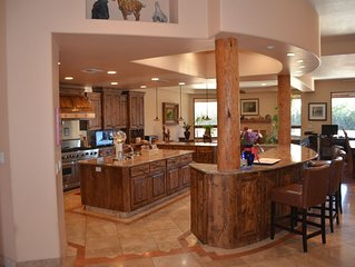 Fantastic Resort Like 5 BR 5 BA Home in Tucson Country Club, Pool, Bocce, Acre
