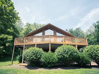 4 BR Lodge with Great View and Hot Tub
