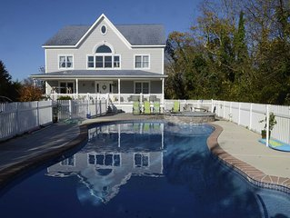 Swim, relax, repeat!! Walk to the Winery, Beach Plum Farm & escape the ratrace