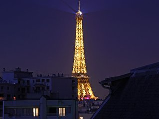 5-Star Luxury Penthouse,  Stunning Eiffel Views, Free Car Service, Champagne/Bar