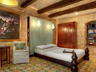 Historic, romantic holiday house for 2 in Malta's capital - Valletta G-House
