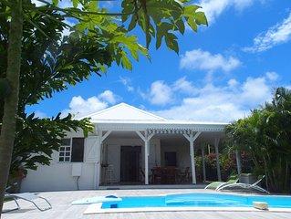 Ste-Anne VILLA MADININA, proche des plages, piscine privee, clim, WIFI gratuite