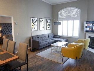 Luxury Resort-style Penthouse I Parking I Pool I Wifi I CableTV