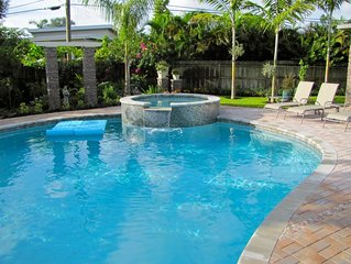 (HM) 3B/2B Home, Private Pool, Walk to Dining & Shops, Beautiful