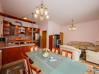 A4 large 150 m2 apt with 4 bedrooms, big balcony,sea view and outside fireplace